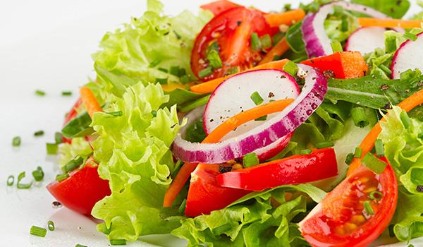 dressing gemischter salat mit schafskäse